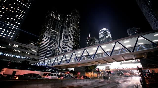 vídeos de stock e filmes b-roll de street in hong kong at night - remover