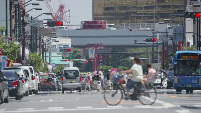 street in tokyo on a hot summer day - tokyo japan stock videos & royalty-free footage