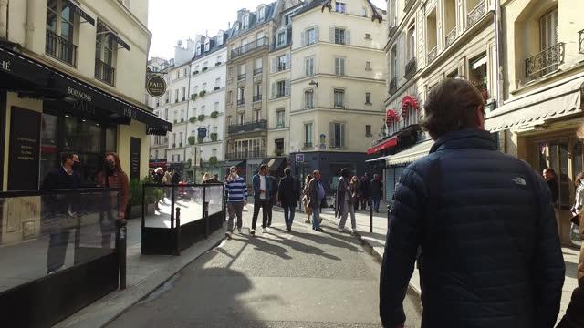pov of street of paris, in spring. - walkable city stock videos & royalty-free footage