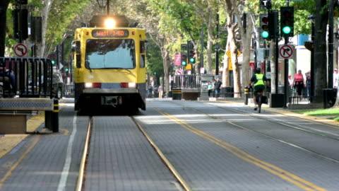 k street public transport sacramento - public transport stock videos & royalty-free footage