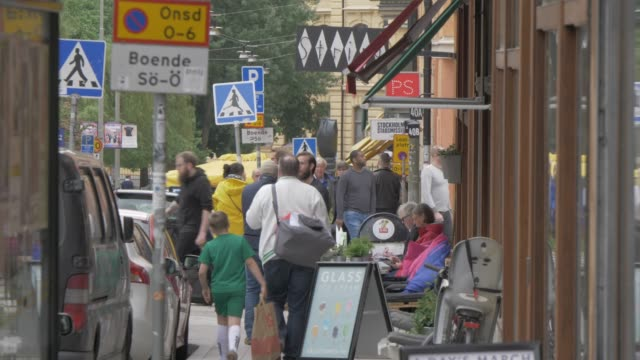 street scene and cafe in sofo area sodermalm district, stockholm, sweden, scandinavia, europe - stockholm stock videos & royalty-free footage