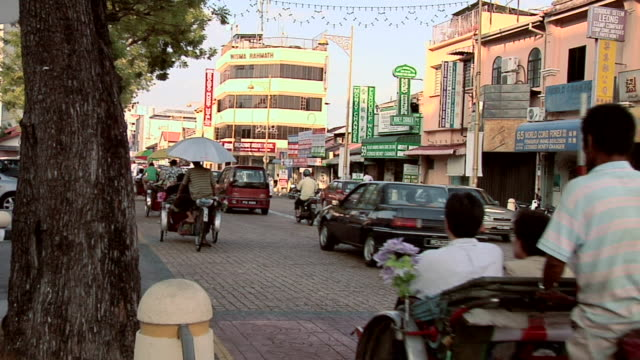 ws street scene in jalan masjid kapitan keling / george town, penang, malaysia - penang stock videos and b-roll footage