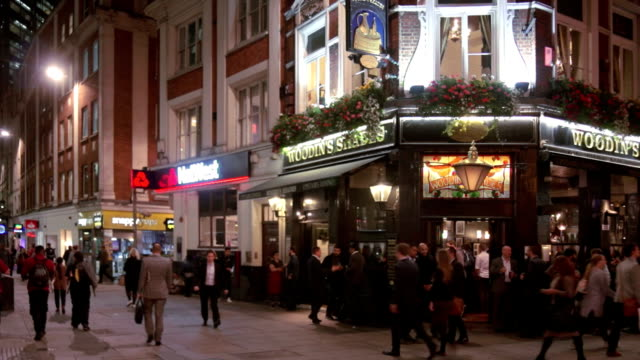 street scene in london bishopsgate - pub stock videos & royalty-free footage