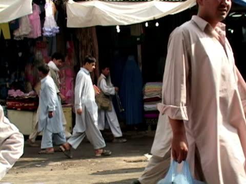 ms street scene, kabul city, kabul, afghanistan - kabul stock-videos und b-roll-filmmaterial