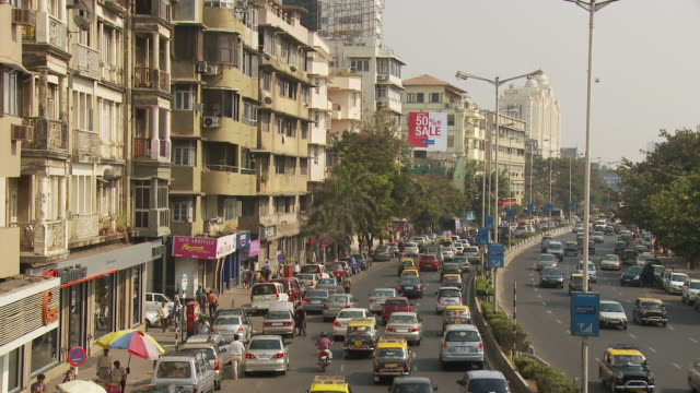 ws ha street scene / mumbai, india - mumbai stock videos & royalty-free footage
