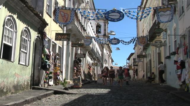 ws street scene, plage do farol de barra, salvador, bahia, brazil - bahia state stock videos & royalty-free footage