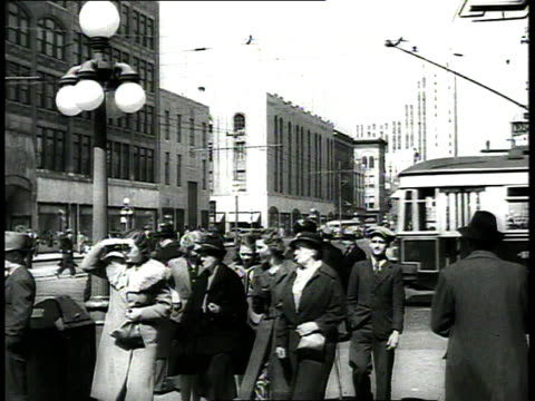 1939 ws street scene with traffic and pedestrians / richmond, virginia, usa - richmond virginia stock videos & royalty-free footage