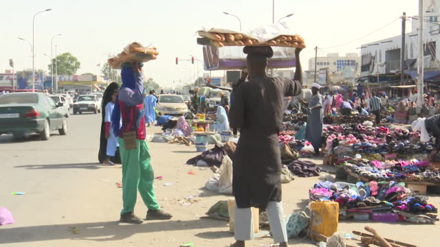 street scenes and markets in mauritania - モーリタニア点の映像素材/bロール