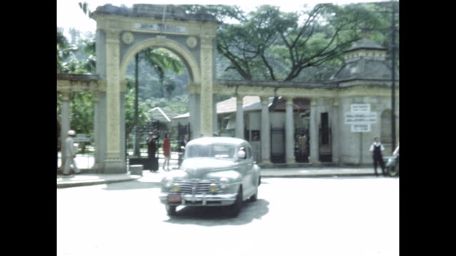stockvideo's en b-roll-footage met street scenes in rio de janiero, brazil.  - 1940