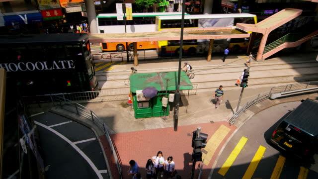 street scenes & victoria peak view - berg victoria peak stock-videos und b-roll-filmmaterial