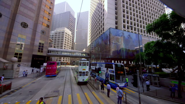 vídeos de stock, filmes e b-roll de street scenes & victoria peak view - ponto de vista de bonde