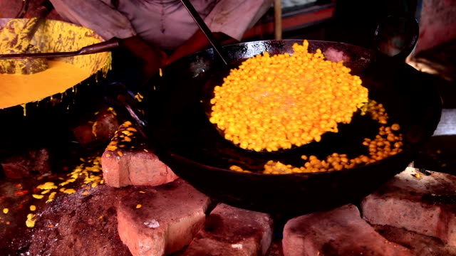 street seller frying indian dish - sweet food stock videos & royalty-free footage
