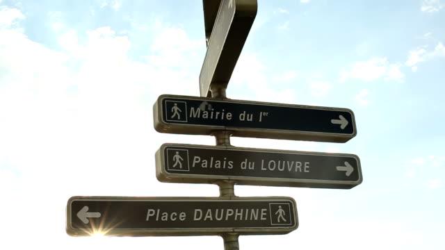 vidéos et rushes de plaques de rue à paris. - signalisation routière