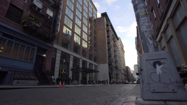 vídeos de stock e filmes b-roll de soho - street - apartamento tipo loft