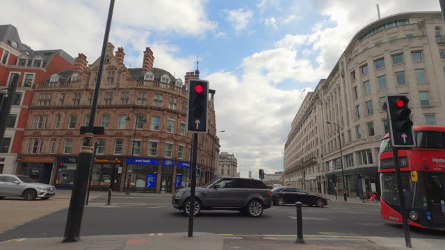 vidéos et rushes de street view of london during coronavirus (covid 19) by bicycle london 74 - bow and wellington street - 4k - town