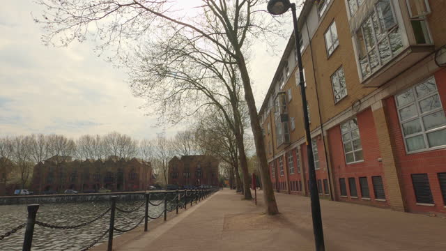 street view of london during coronavirus (covid 19) by bicycle london 82 - surrey quays part 1 - 4k - waterfront stock videos & royalty-free footage