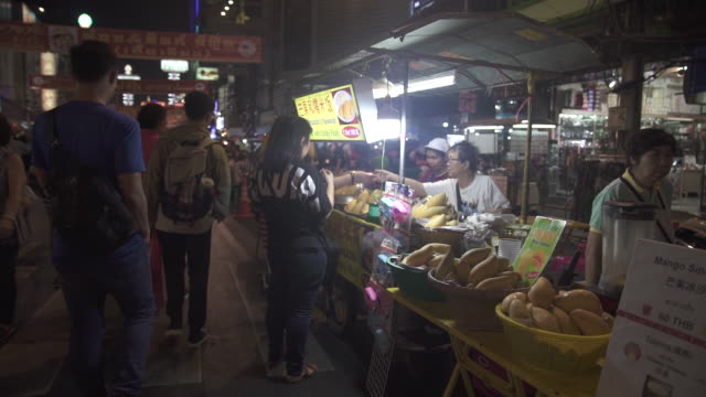 streetfood stalls are trying to give up plastic bags in bangkok thailand on sunday january 18 2020 thailand's love of plastic bags helped make it... - chonburi province stock videos & royalty-free footage