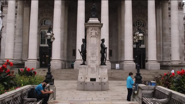 streets become quieter in the city of london uk after boris johnson announces a return to home working for office workers amid a rising tide of... - rising tide stock videos & royalty-free footage