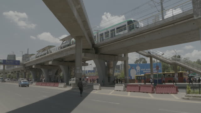 streets of addis ababa - アジスアベバ点の映像素材/bロール