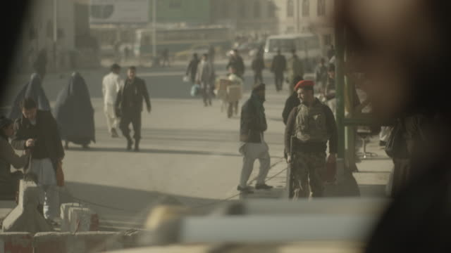 stockvideo's en b-roll-footage met streets of kabul - afghanistan