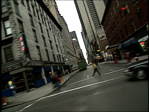 streets of midtown manhattan in new york city in 1994 - anno 1994 video stock e b–roll