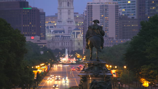 strade di philadelphia - philadelphia pennsylvania video stock e b–roll