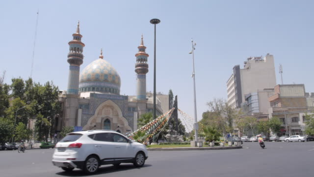 streets of tehran, iran - teheran video stock e b–roll