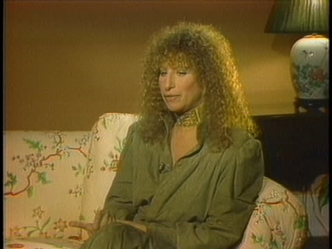 stockvideo's en b-roll-footage met streisand interview streisand streisand - barbra streisand