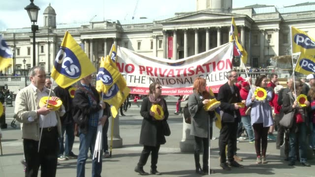 vídeos de stock, filmes e b-roll de a strike took place outside london's national gallery in trafagar square on friday during a may day march to protest against planned privatisation of... - 1 de maio