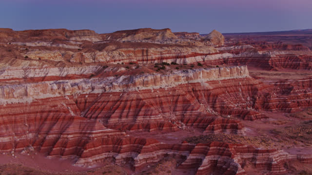 gestreifte felsen im grand staircase escalante national monument - grand staircase escalante national monument stock-videos und b-roll-filmmaterial