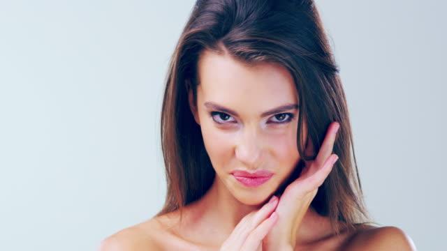 starke und gesundes haar - glatte oberfläche stock-videos und b-roll-filmmaterial