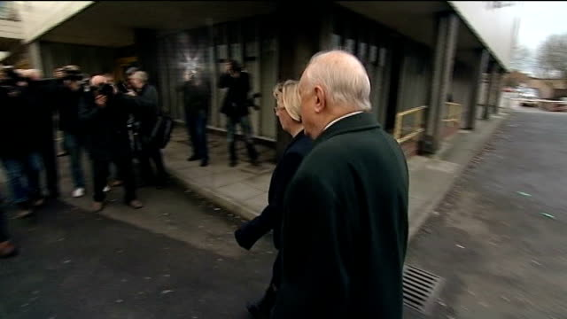 stuart hall in court on assault charges england lancashire preston magistrates court photography*** various shots of stuart hall arriving at court... - 司会者 スチュアート・ホール点の映像素材/bロール