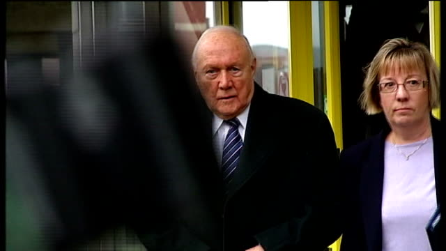 stuart hall in court on assault charges preston magistrates court photography*** various shots of stuart hall leaving court with solicitor louise... - 司会者 スチュアート・ホール点の映像素材/bロール