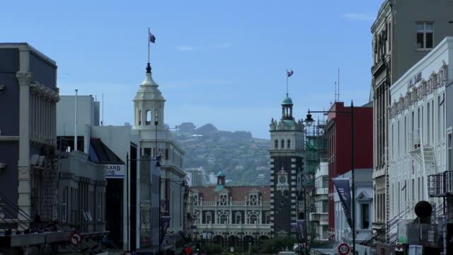 vídeos de stock e filmes b-roll de stuart street - dunedin, new zealand - ponto turístico internacional