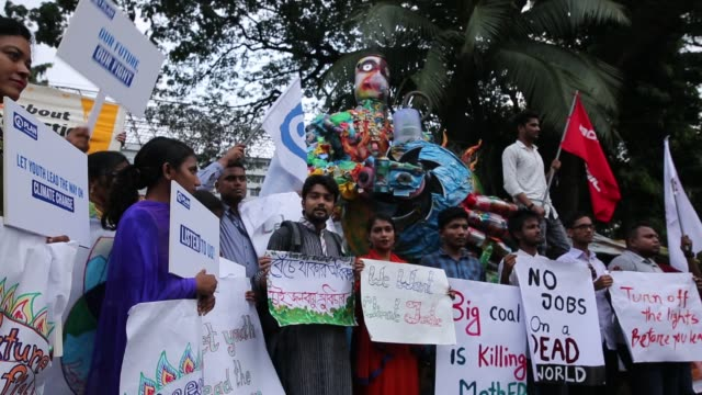 students and protesters gather to attend a climate strike rally in dhaka, bangladesh on september 20, 2019. bangladeshi people joined together in... - strike protest action stock videos & royalty-free footage
