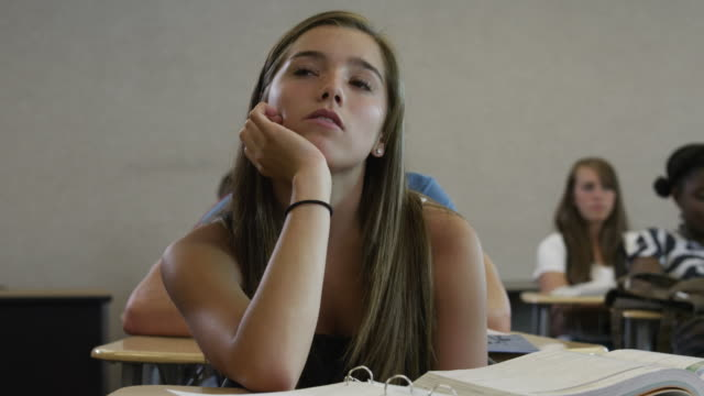 vídeos de stock, filmes e b-roll de ms pan students in classroom / spanish fork city, utah, usa - aluna da escola secundária