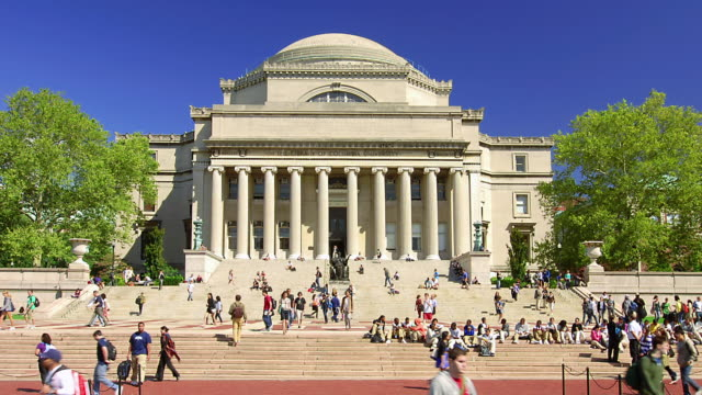 stockvideo's en b-roll-footage met t/l students walking around columbia university campus / new york city, new york, united states - universiteit