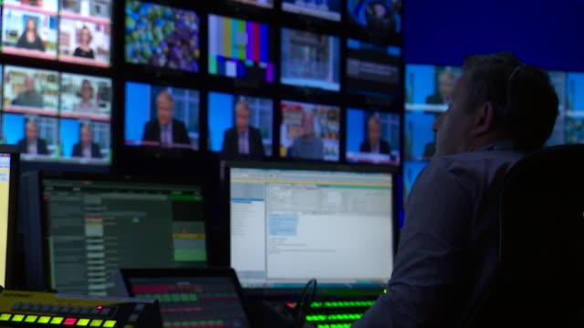 bbc studio gallery whilst 'our next prime minister' conservative leadership debate was taking place - fernsehserie stock-videos und b-roll-filmmaterial