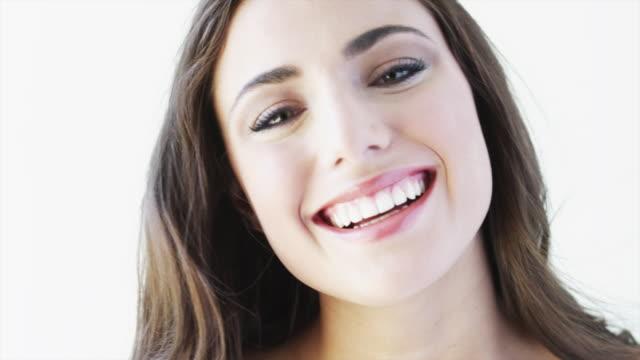 vídeos de stock, filmes e b-roll de cu tu studio portrait of smiling young woman / orem, utah, usa - orem