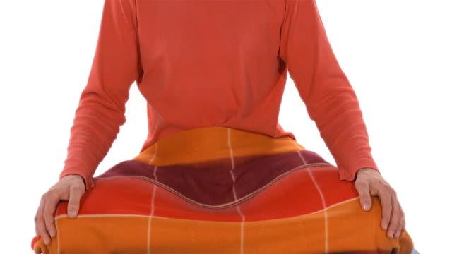 ms tu studio shot of man meditating in lotus pose - ゴーティー点の映像素材/bロール