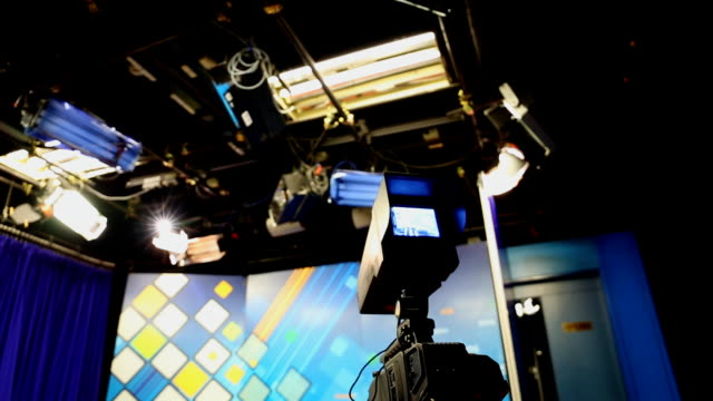 vídeos de stock, filmes e b-roll de studio - estúdio de televisão