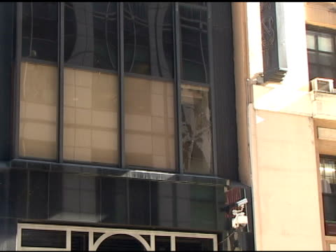 studio window cracked by chris brown during his appearance on good morning america in new york 03/22/11 - good morning america stock videos and b-roll footage