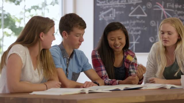 高校受験勉強 - 分校点の映像素材/bロール