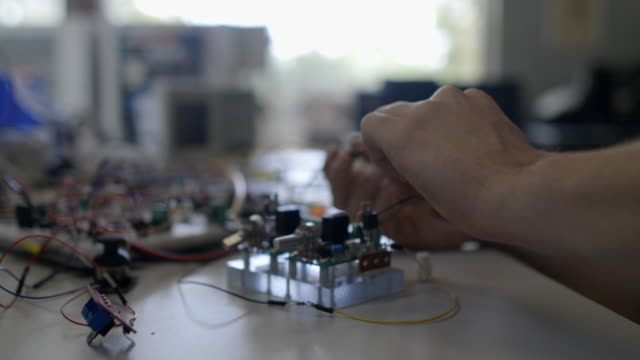 一生懸命勉強する - コンピュータハードウェア点の映像素材/bロール