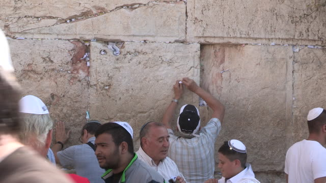 stockvideo's en b-roll-footage met stuffing letters, jerusalem, israel - orthodox jodendom