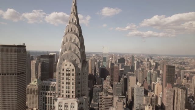 stunning aerial view of manhattan new york city - chrysler building stock-videos und b-roll-filmmaterial