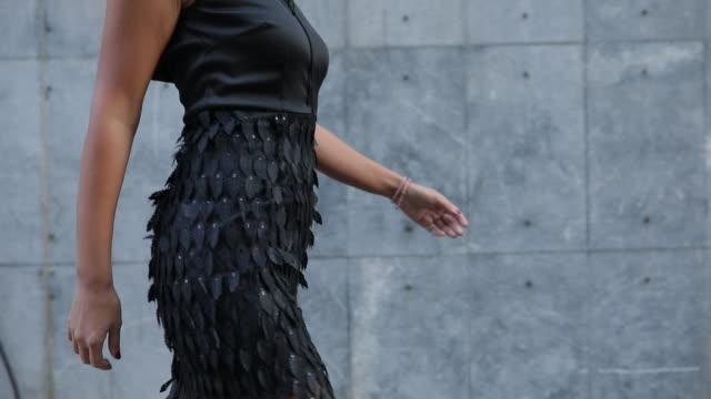 stunning lady - vestito nero video stock e b–roll