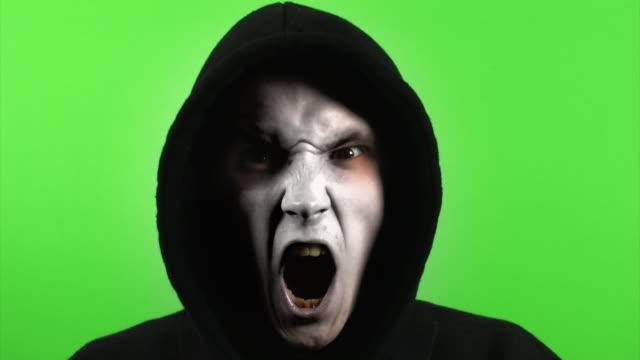 スタイリッシュにグリーンスクリーンを怪獣 - モンスター点の映像素材/bロール