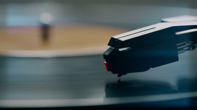 stylus and record turntable. - spinning stock videos & royalty-free footage