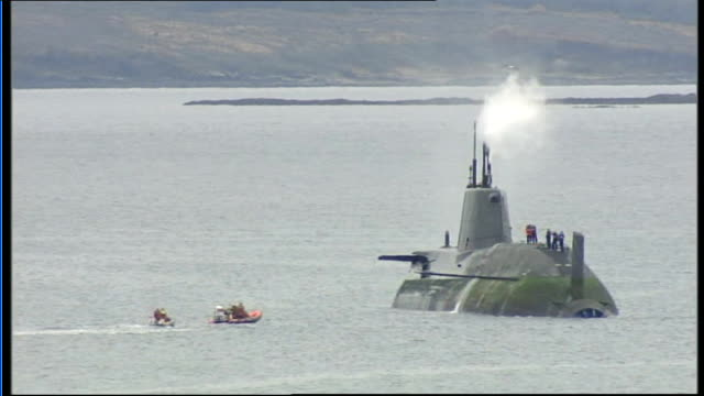 submariner donovan sentenced for shooting officer on hms astute t22101026 isle of skye ext nuclear submarine hms astute with steam coming from above... - ヘブリディーズ点の映像素材/bロール